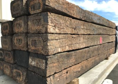 Canadian Oak Hardwood SleepersCanadian Oak Hardwood Sleepers